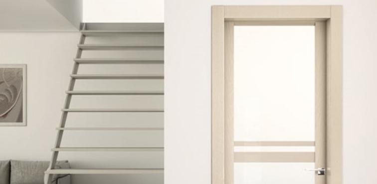 Porta Pivato 3200 in frassino spazzolato, vetro trasparente e decoro laccato