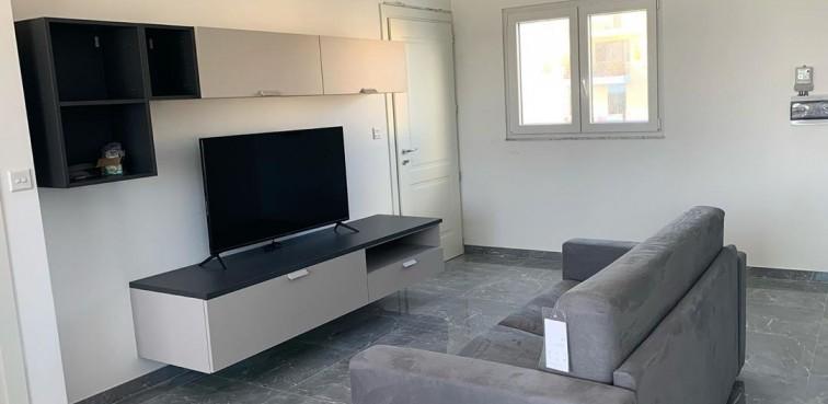 parete tv e divano